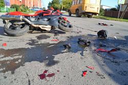 """На 31 км """"Волоколамского шоссе"""" в поселке Нахабино произошло ДТП, в котором погиб мотоциклист."""