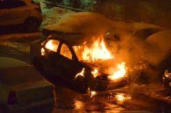 В мкр Павшинская пойма, г. Красногорска произошел пожар, в котором полностью сгорела иномарка белого цвета.