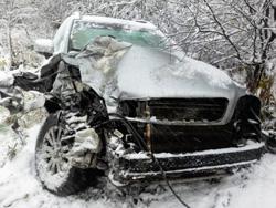 На автодороге М9 Балтия произошло ДТП: автомобиль врезался в ограждение и опрокинулся!