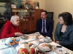 Сотрудники администрации городского округа Красногорск поздравили с юбилеем Валентину Ивановну Курлову!