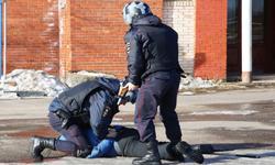 Полицейские УМВД России по г.о. Красногорск задержали подозреваемого в совершении грабежа.