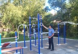 Безопасность детских площадок Подмосковья неуклонно растет.