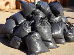 В городском округе Красногорск продолжается работа по заключению договоров на вывоз мусора из частного сектора.