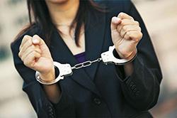 В Красногорске полицейские задержали женщину, находящуюся в федеральном розыске.