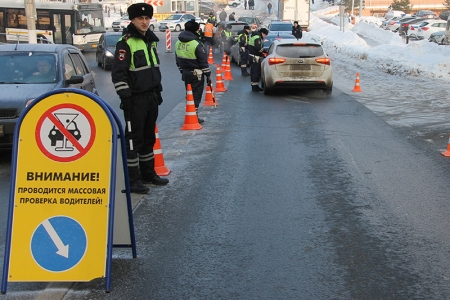 В период религиозного праздника подмосковные автоинспекторы обратят особое внимание на состояние водителей.