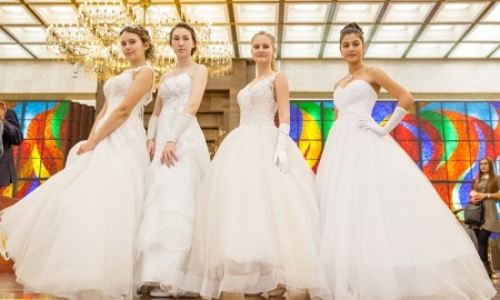 Любители исторических танцев из Подмосковья примут участие в «Зимнем балу» в Музее Победы.