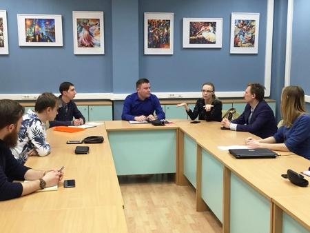 На базе Молодёжного центра го Красногорск прошла еженедельная рабочая встреча Молодёжного парламента!