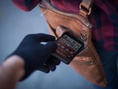 Сотрудники полиции УМВД России по г.о. Красногорск задержали подозреваемого в краже мобильного телефона.