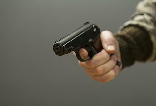 В Красногорске полицейские задержали подозреваемого в совершении разбоя на 120 тысяч рублей.