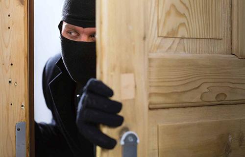 Сотрудники полиции УМВД России по г.о. Красногорск раскрыли серию краж из квартир.