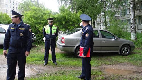 Баженов: Госадмтехнадзор и ГИБДД отучили более 11.300 автовладельцев портить газоны.