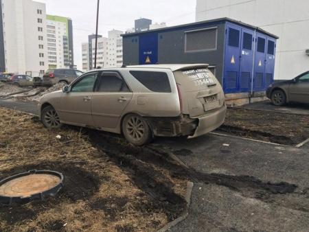 За неделю Госадмтехнадзор пресек более 60 случаев парковки на газонах!