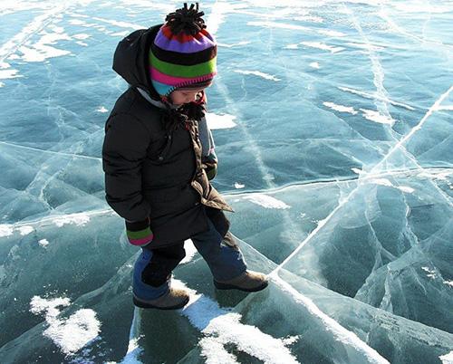 Красногорцам напоминают: выход на лед опасен!