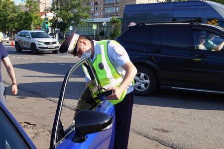 Полицейские Красногорска проводят операцию «Тонировка» по соблюдению правил тонировки автомобилей
