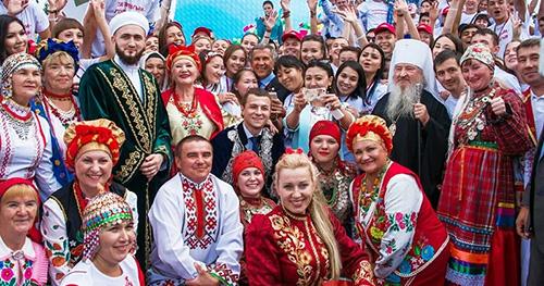Редкие и массовые: на каких языках говорят россияне?