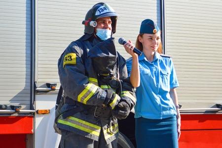В детском лагере «Искра» сотрудники противопожарной службы Красногорска провели «Безопасное лето»